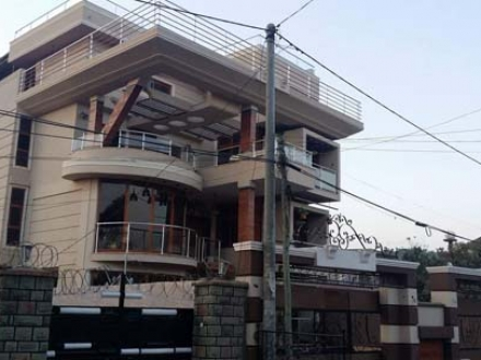 A Luxurious House for Sale in Bole